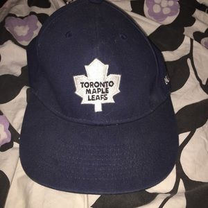 Accessories - Maple leaf baseball hat